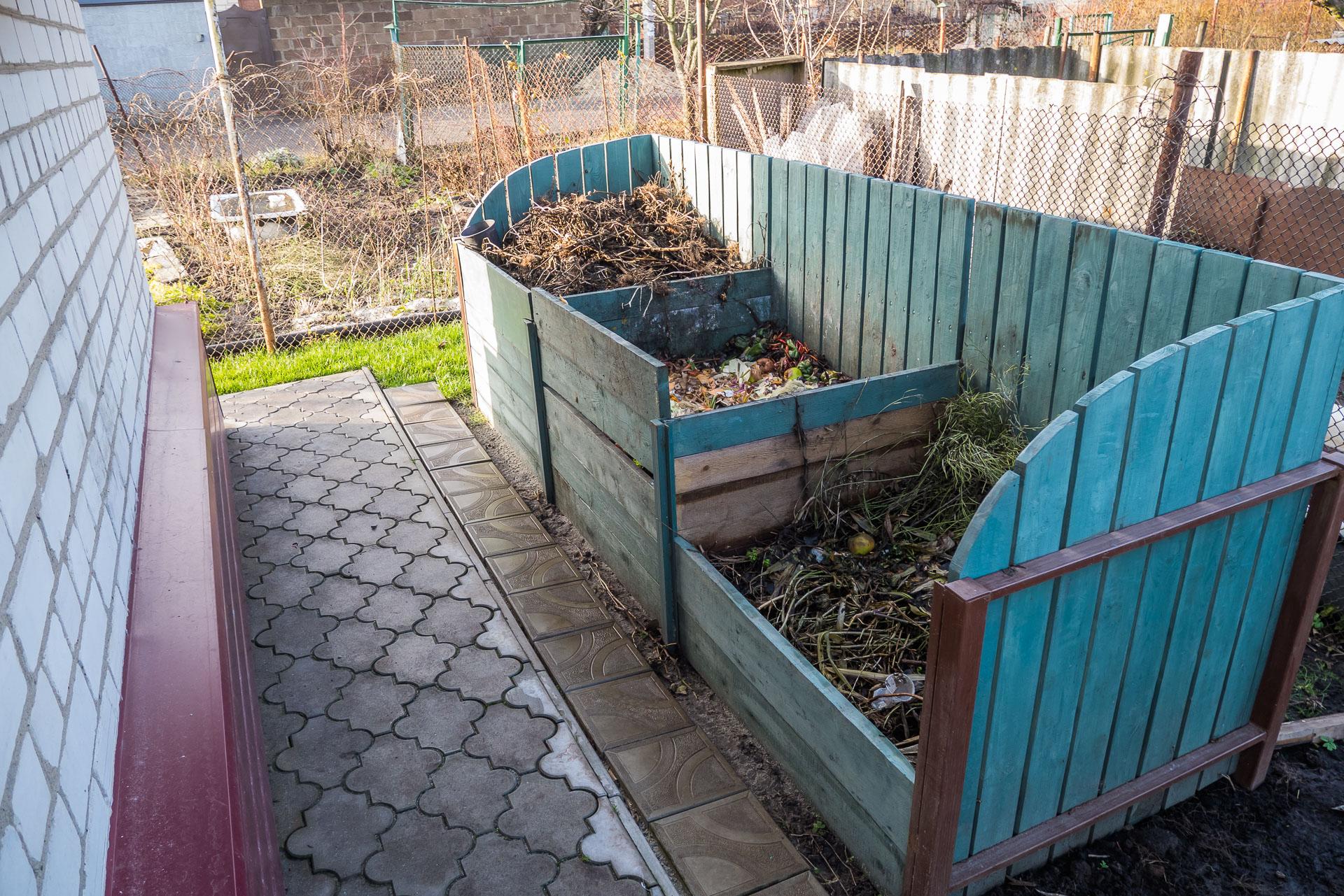 Красивый компостный короб на даче своими руками